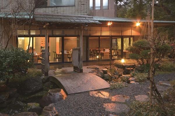 金澤白鳥路飯店 山樂庭園.jpg