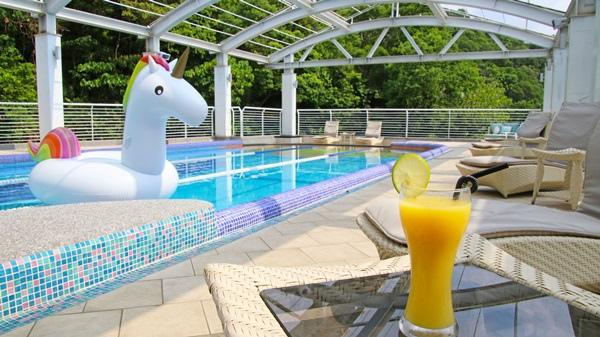 17 游泳池 Swimming Pool.jpg