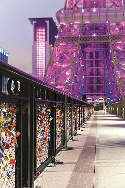 7. Love Lock Bridge 愛情鎖橋.jpg