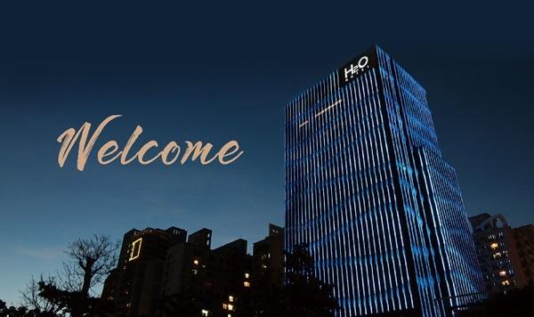 10.外觀夜景Welcome.jpg
