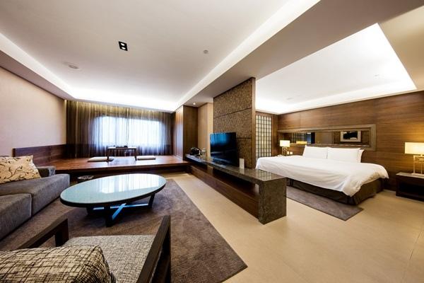 4酒店豪華溫泉套房全景.jpg