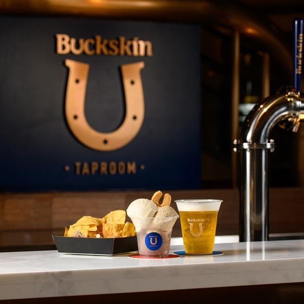 位於台北101的「Buckskin Taproom柏克金啤酒吧」現場販售六款柏克金德式鮮釀啤酒、柏克金啤酒冰淇淋與小食_大檔.jpg