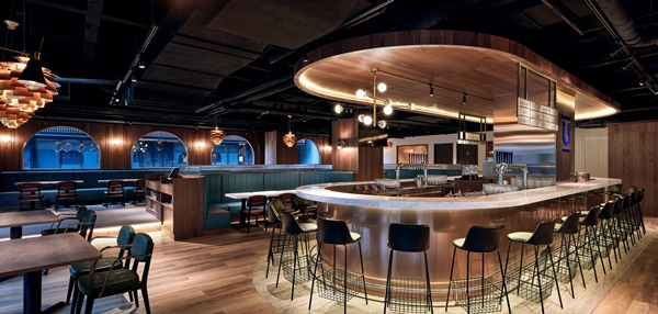 Buckskin Beerhouse 南京店延續松仁旗艦店的歐風裝潢,保留各項「啤酒」元素.jpg