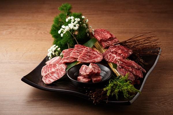 Buckskin 燒肉屋「豪華和牛組合」以澳洲最高等級M9+和牛多款部位組成.jpg