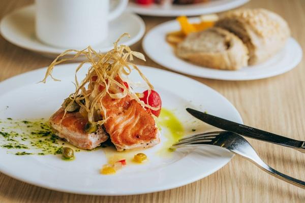 香煎鮭魚.jpg