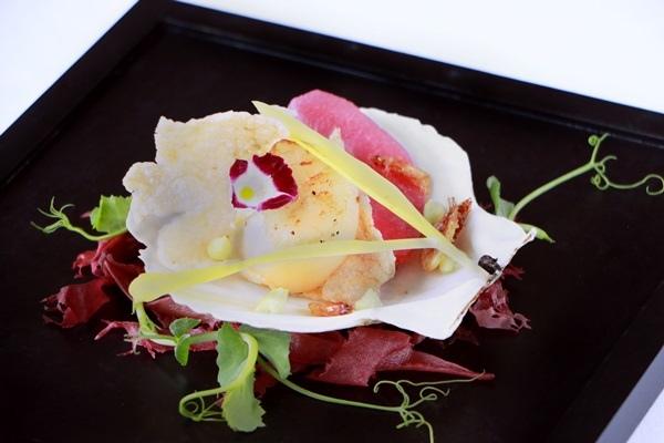 熱前菜:干貝、櫻花蝦脆片、甜豆尼、梨.JPG
