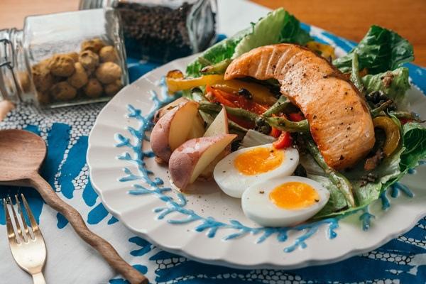 RAY04762尼斯烤鮪魚沙拉.jpg