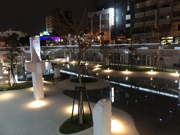 河樂廣場.jpg