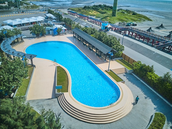 DJI_0050大人專屬的戶外游泳池.jpg