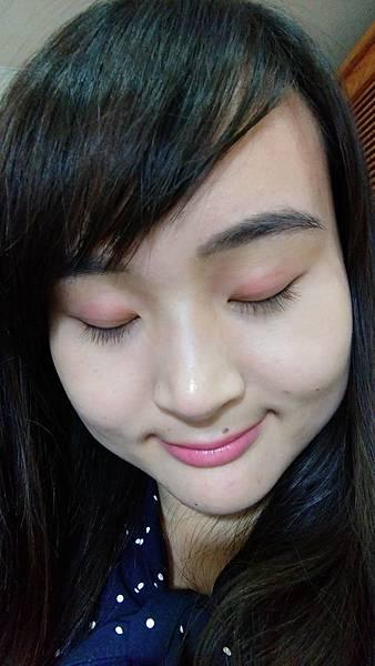 完妝眼睛顏色近照2.jpg