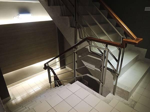 可以坐電梯的.JPG