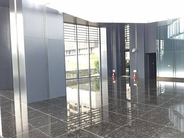 親家T3辦公大樓全新22F含平車2580_3749.jpg