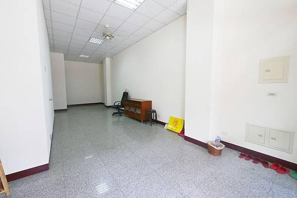 新平路三段20米路金店_1331.jpg