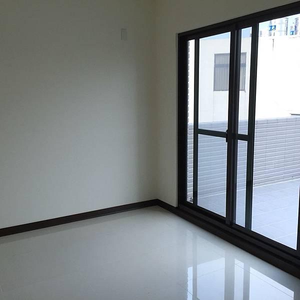 豪華電梯別墅1868萬(成功人文)x2_2620.jpg