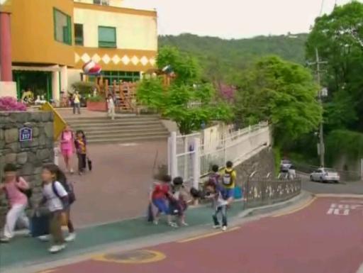 幼稚園-第6集37分56秒起.jpg