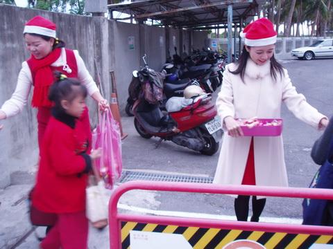 981225歡樂聖誕_06.JPG