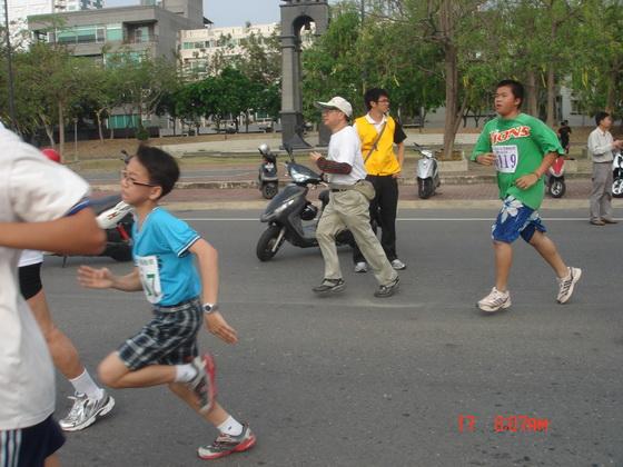 20110417南市路跑_080.JPG
