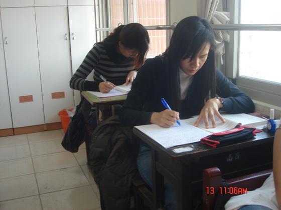 20110313企管同學_4.JPG