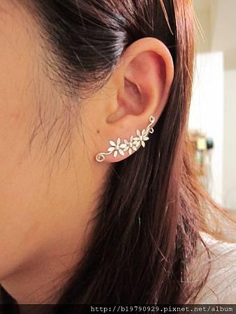 小花雙針耳環VI