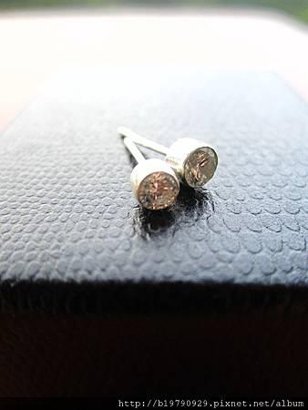 CZ鑲針式耳環2