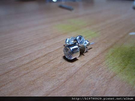 CZ鋯石夾鑲針耳12