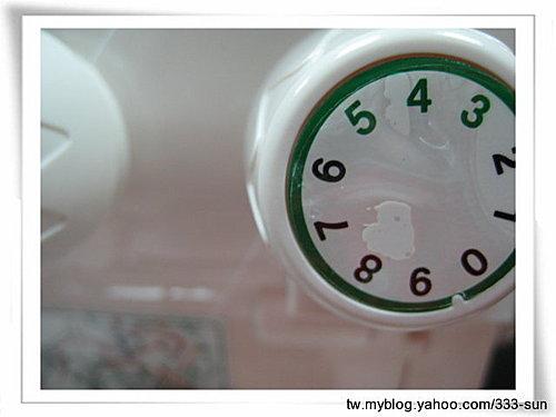 Merrylock 640DS四線拷克機綠色(最右邊)穿線法