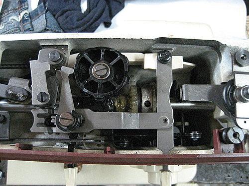 勝家1263型~中軸齒輪硬化更換中