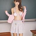 AkiHoshino_DGC_2009-01_041.jpg