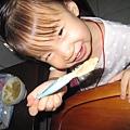 幫妹妹吃食物泥!