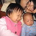 媽媽跟兩個寶貝