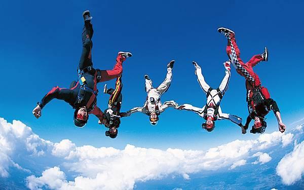 高空跳傘.jpg
