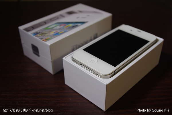 IPhone 4S.開箱照 (4).jpg