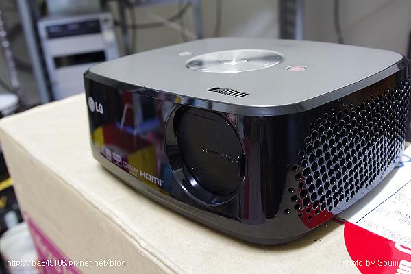 LED攜帶型投影機.LG HX300 (16).jpg