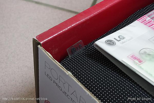 LED攜帶型投影機.LG HX300 (5).jpg