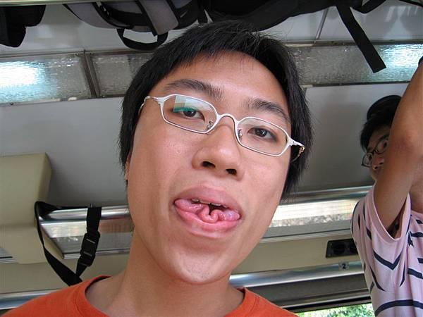 蝴蝶舌,這是郭哲的特技