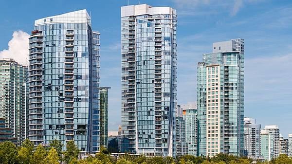 vancouver-yaletown-condo-towers.jpg