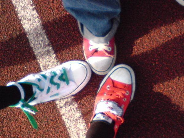 我們都穿帆布鞋