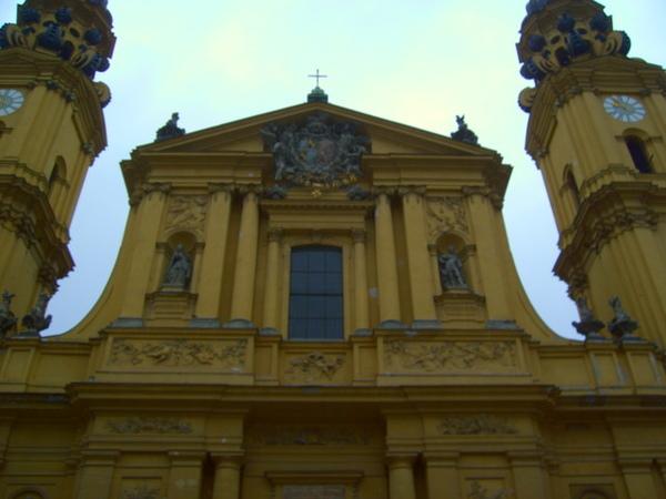 巴伐利亞市政廳,大概