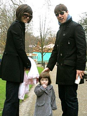 cute-suri-cruise-pic.jpg