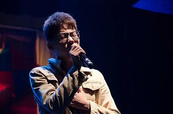 singer-540771_640.jpg
