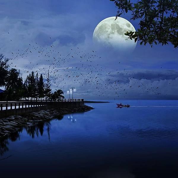 moon-1688902_640.jpg