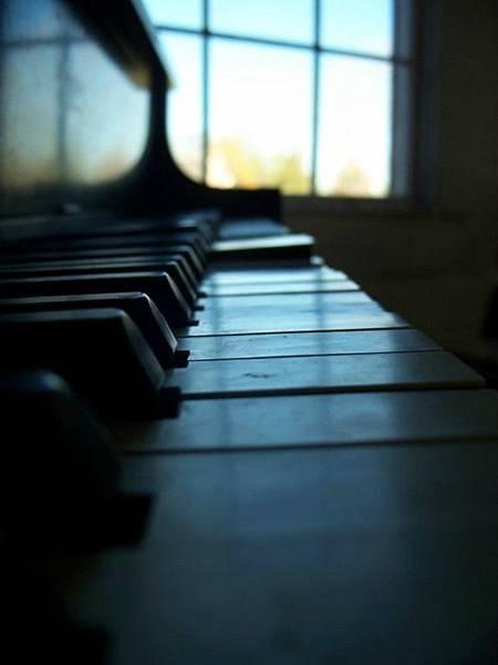 piano-1143734_1280.jpg