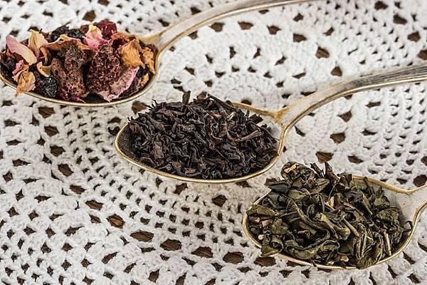 tea-leaf-1797125_640.jpg