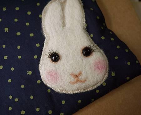 點點兔頭化妝包3