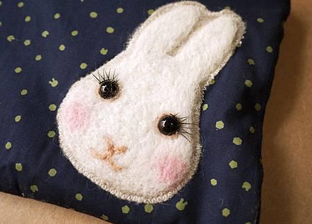 點點兔頭化妝包5