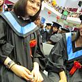 都畢業了還「愛張」!!