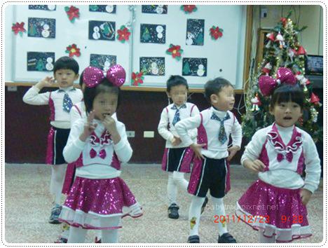 幼稚園聖誕節表演.jpg