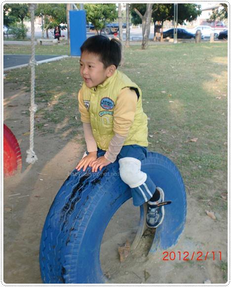 到公園玩.JPG