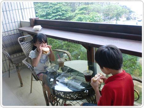 中華電訊墾丁會館陽台早餐