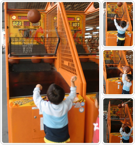 小朋友玩籃球機.jpg